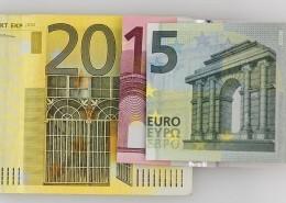"""alt=""""Euroscheine"""" title=""""©gg24.de - Fotolia.com"""""""