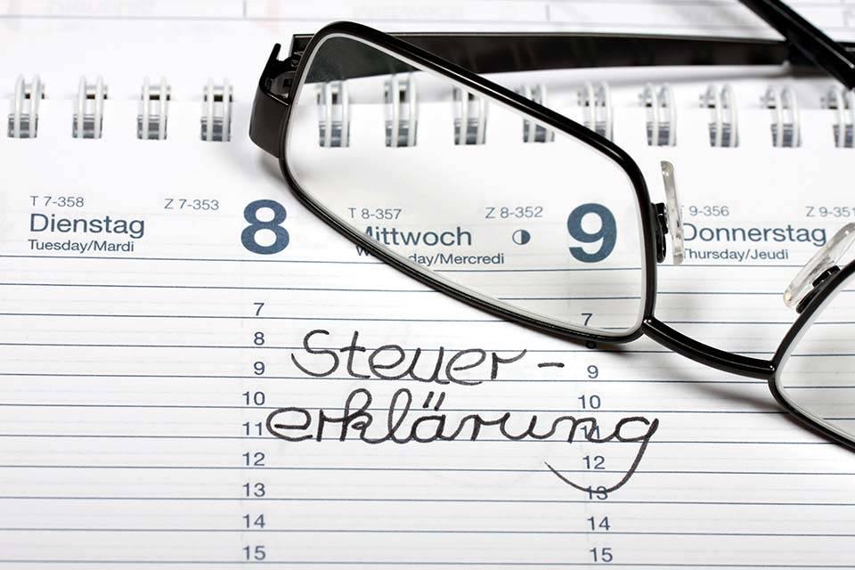"""alt=""""Kalender"""" title=""""© Osterland - Fotolia.com"""""""