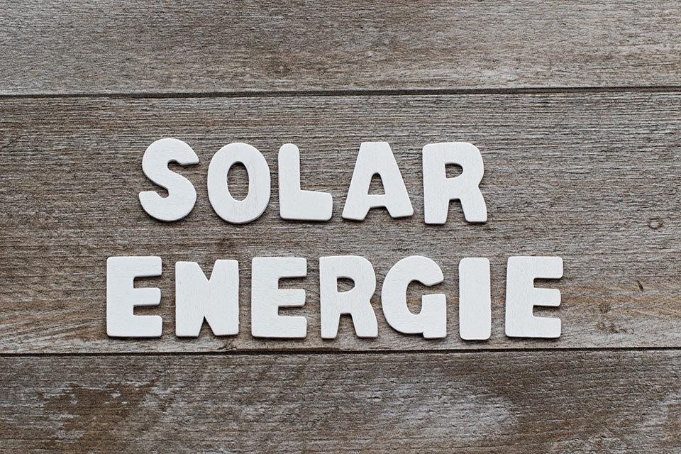"""alt=""""Solarenergie"""" title=""""© racamani - Fotolia.com"""""""