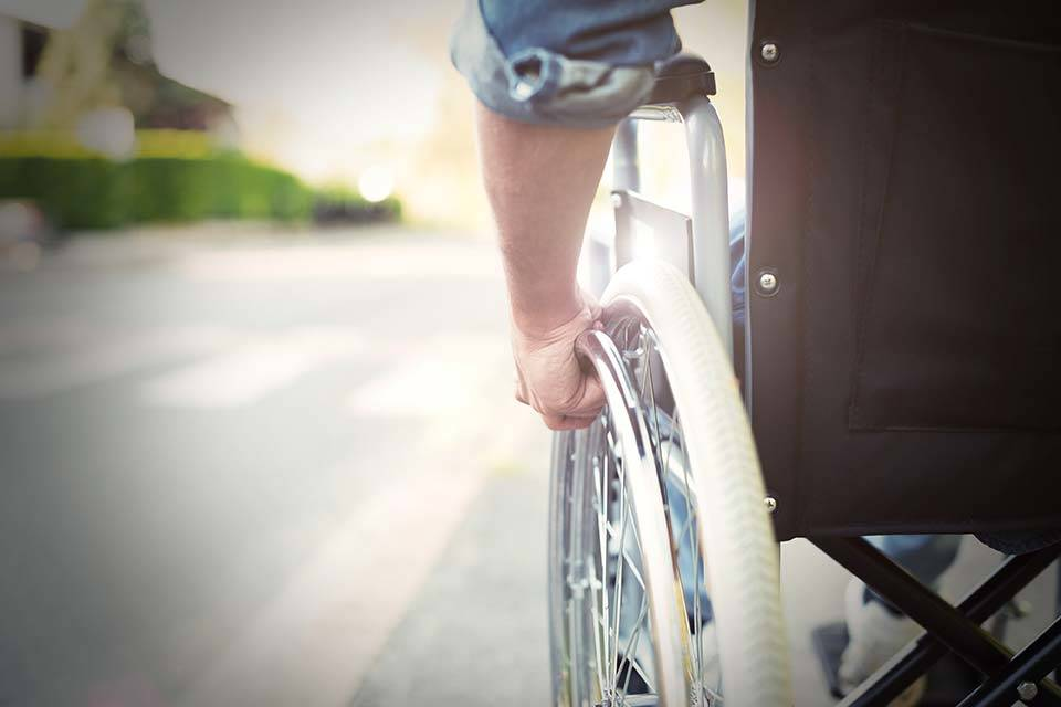 "alt=""Rollstuhl"" title=""© Minerva Studio - stock.adobe.com"""