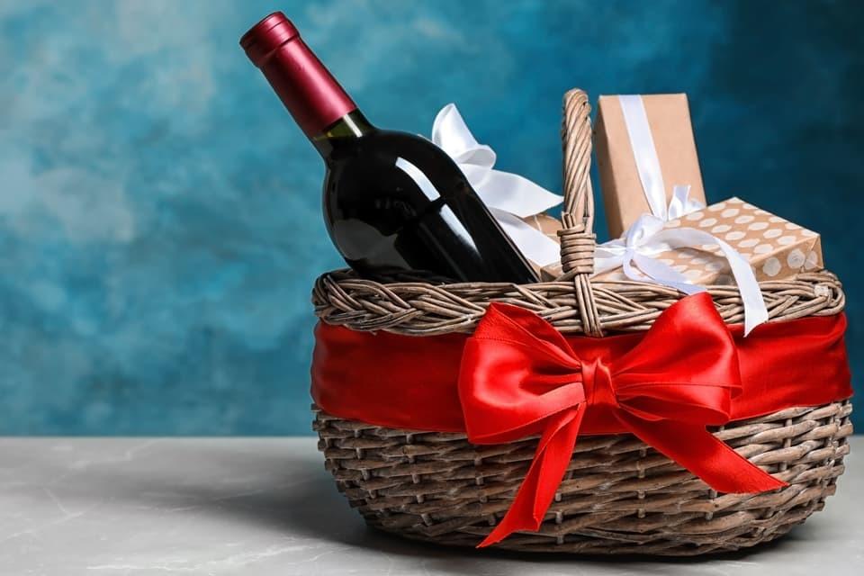 steuerliche-behandlung-von-geschenken_weihnachten-2020_dr-kley_steuerberater