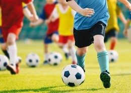 "alt=""Fußball"" title=""© matimix - stock.adobe.com"""