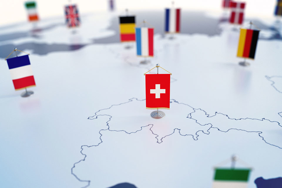 "alt=""Flagge Schweiz"" title=""© koya979 - stock.adobe.com"""