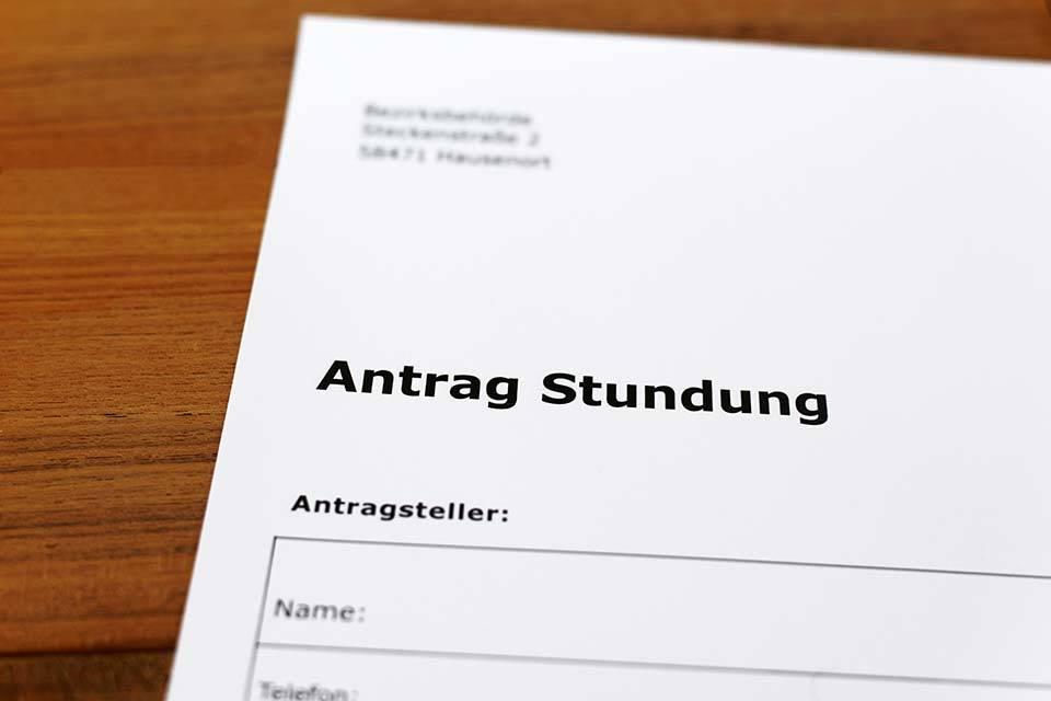 "alt=""Antrag"" title=""© Marcus Krauss - stock.adobe.com"""