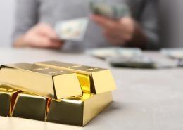"""alt=""""Goldbarren"""" title=""""© New Africa - stock.adobe.com"""""""