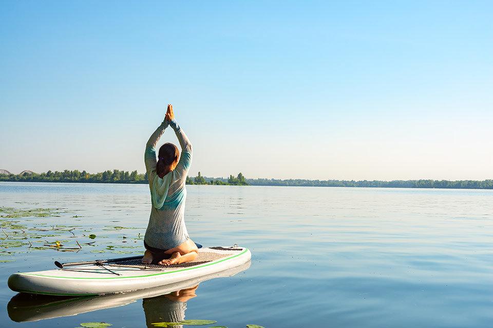 "alt=""Yoga"" title=""© sanechka - stock.adobe.com"""